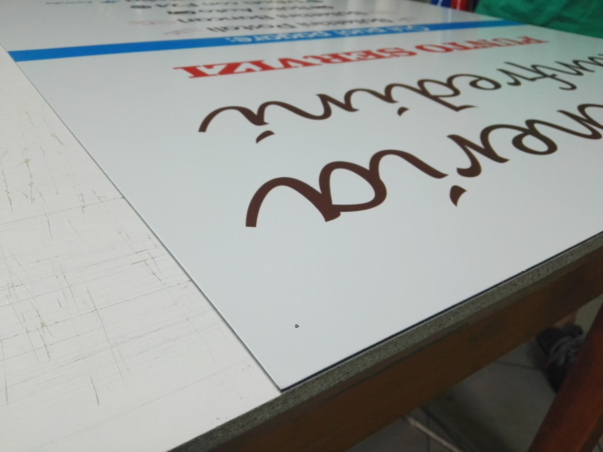 Personalizzazione cartelloni attività commerciali a Brescia