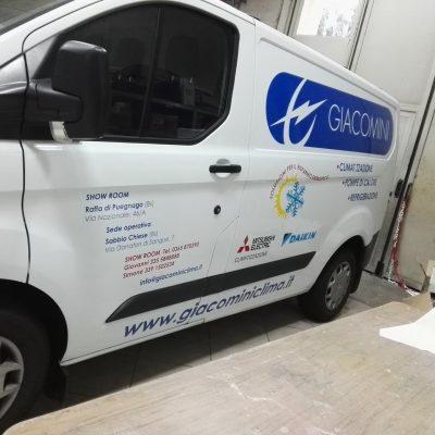 decorazione furgone aziendale a Brescia