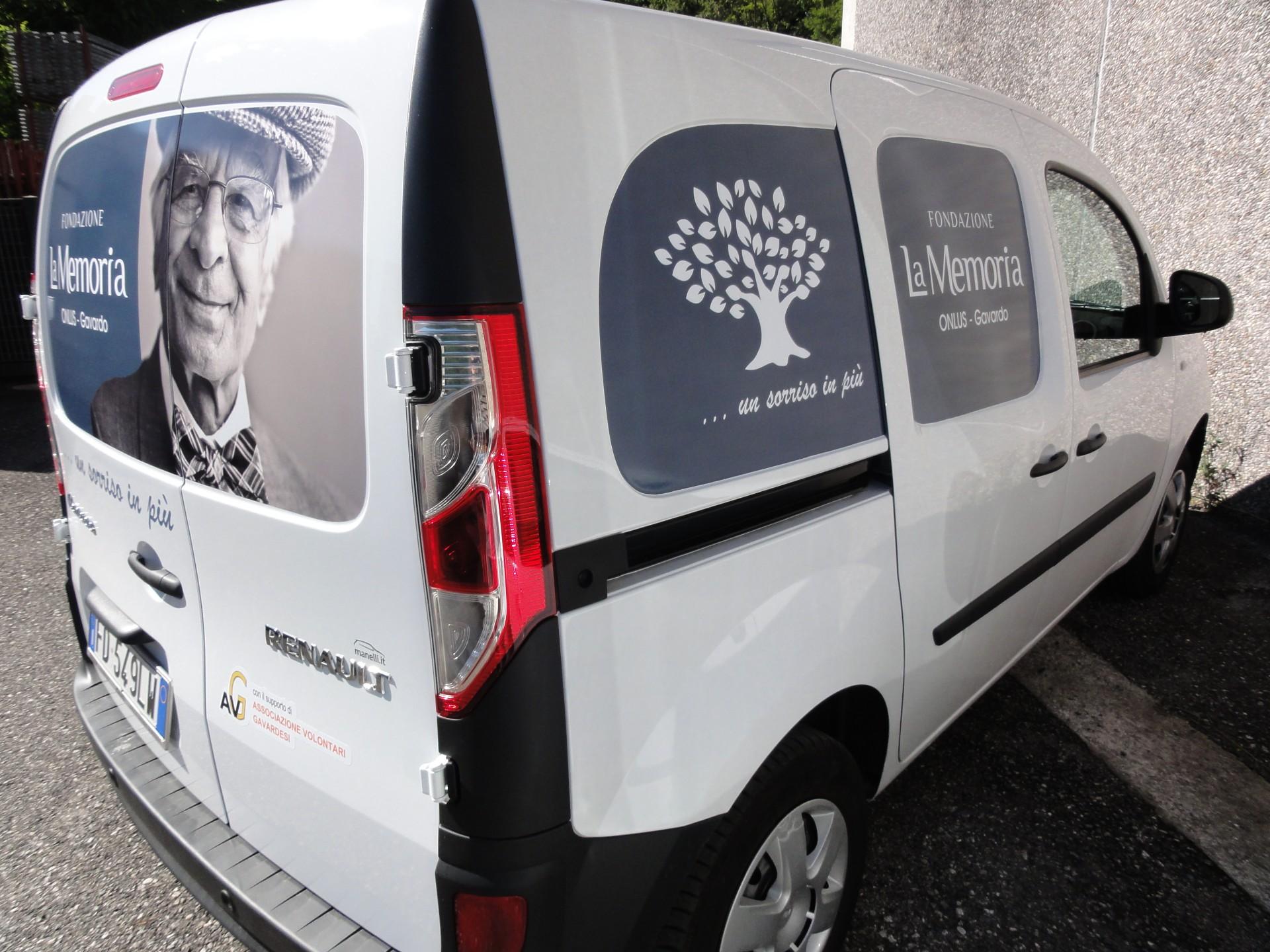 furgone aziendale con decorazione - Gavardo
