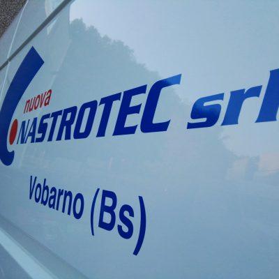 Furgone aziendale decorato con logo a Vobarno