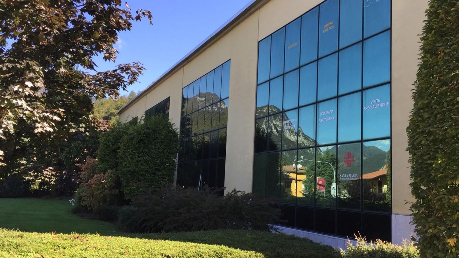 personalizzazione vetrofanie attività commerciali Brescia