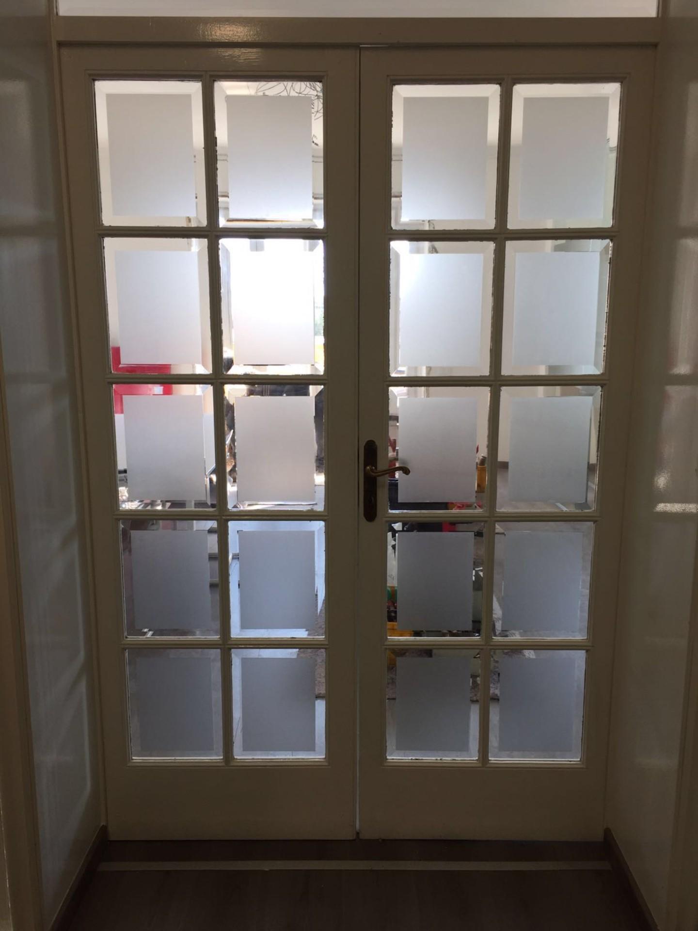Vetrofanie per decorare porte - Brescia