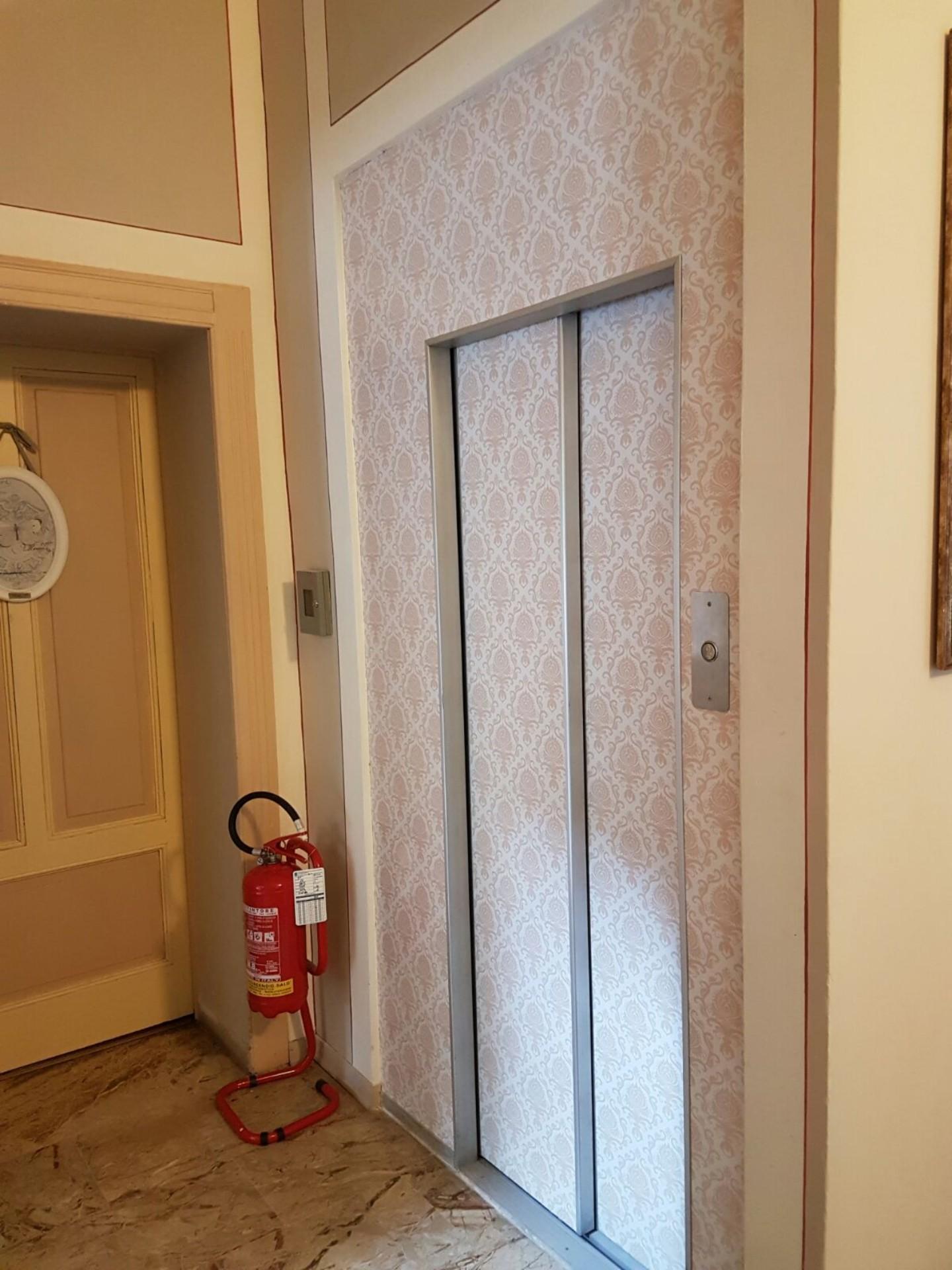 riqualificazione ambientale di un ascensore a Brescia